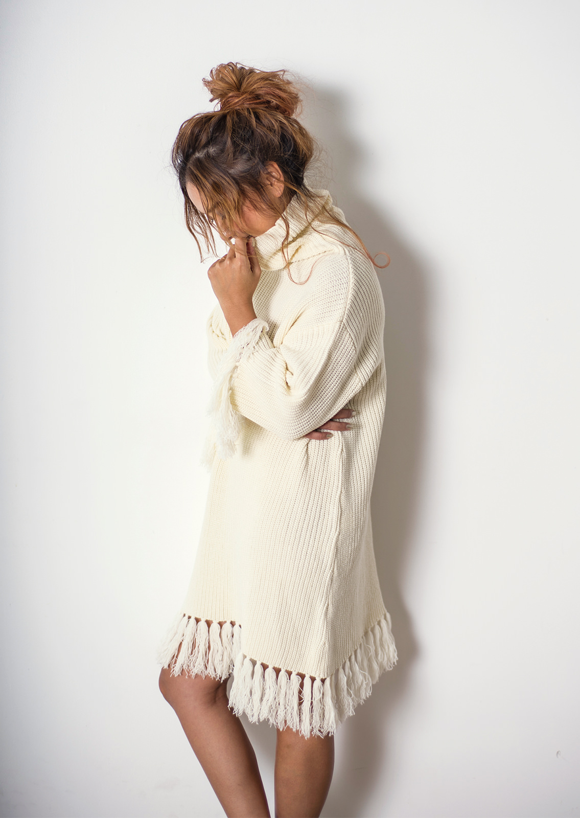 DG71AW017 FRINGE KNIT ONE PIECE COLOR: O.WHT, CHA, ORG 12,000yen